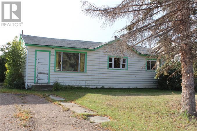 207 2nd Avenue Sw, Manning, Alberta, T0H2M0 | Photo: 1