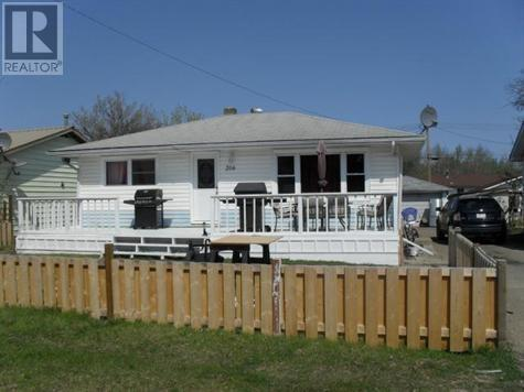 206 2nd Sw Avenue, Manning, Alberta, T0H2M0 | Photo: 1