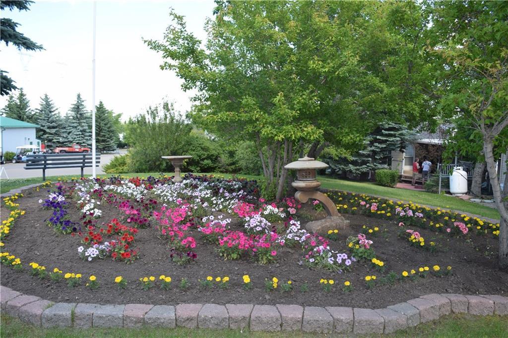 664 Carefree Resort, Rural Red Deer County, Alberta  T4G 1T8 - Photo 9 - C4232911