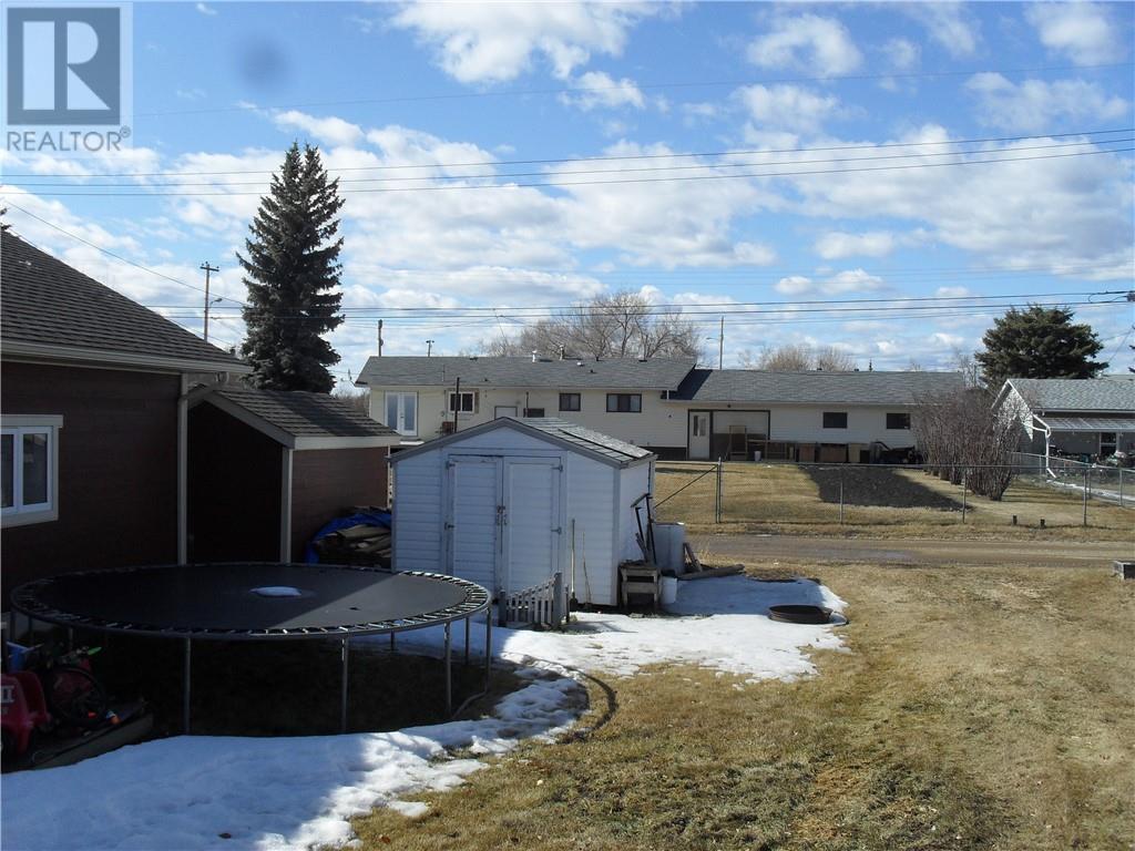 404 3rd Street Ne, Manning, Alberta, T0H2M0   Photo: 23