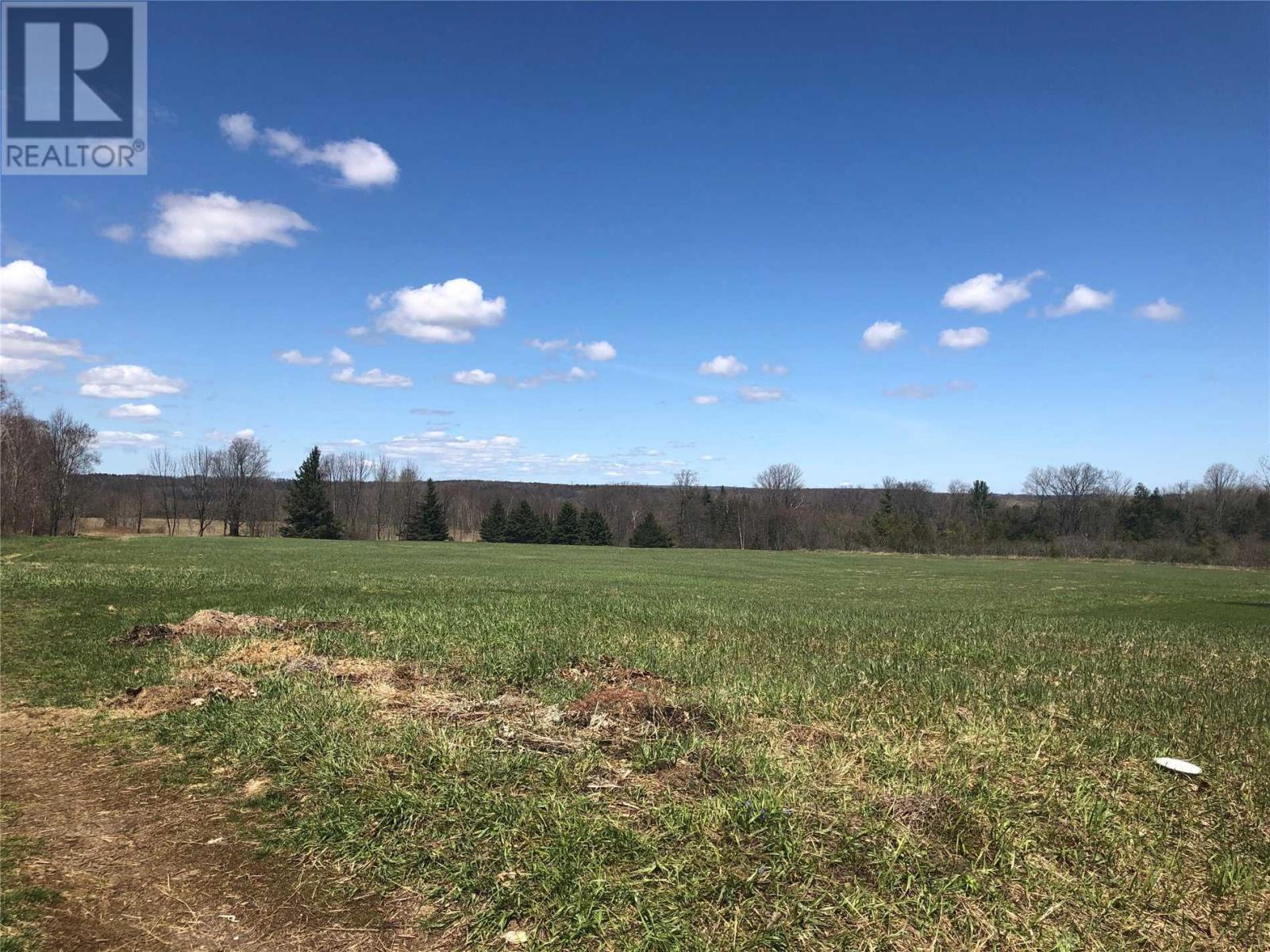 Homes and Houses for sale in Springwater, Ontario - Photo 3 - S4439759