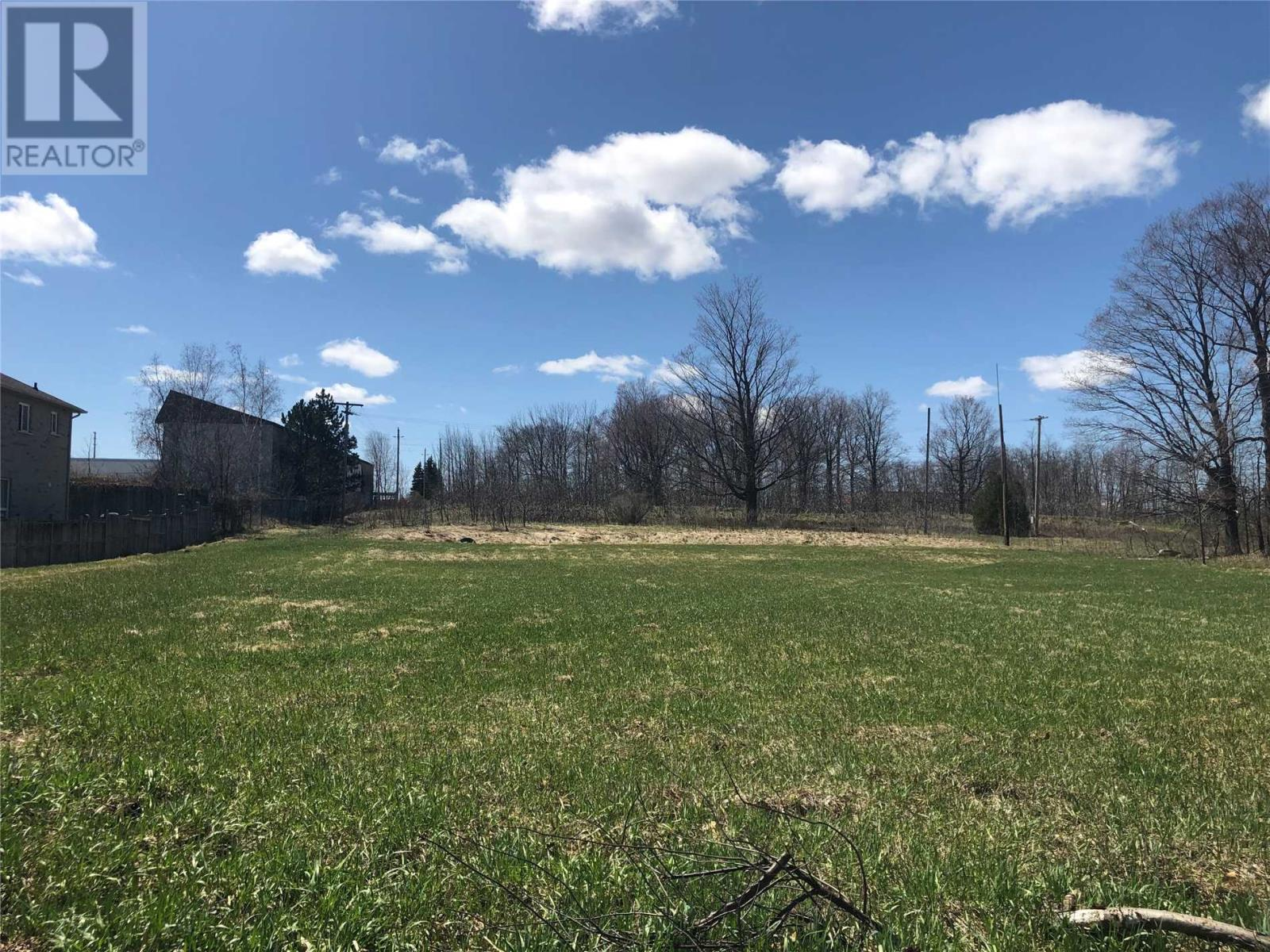 Homes and Houses for sale in Springwater, Ontario - Photo 7 - S4439759