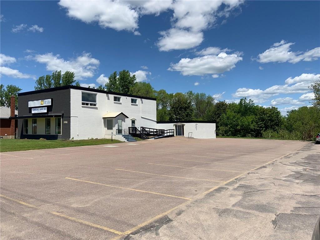 1217 Pembroke Street, Pembroke, Ontario  K8A 7R8 - Photo 3 - 1150017