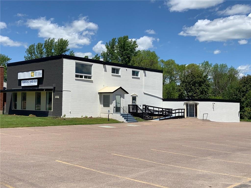 1217 Pembroke Street, Pembroke, Ontario  K8A 7R8 - Photo 4 - 1150017