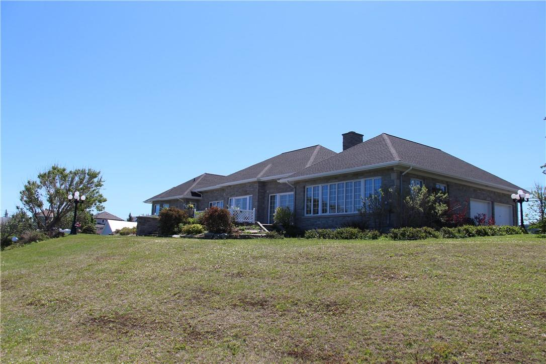 115 St-Pierre Est Boulevard, Caraquet, New Brunswick  E1W 1A9 - Photo 7 - NB025040