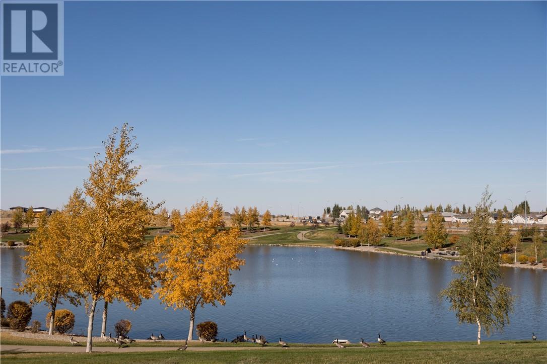 4 67 Aquitania Circle W, Lethbridge, Alberta  T1J 5M5 - Photo 8 - ld0177182