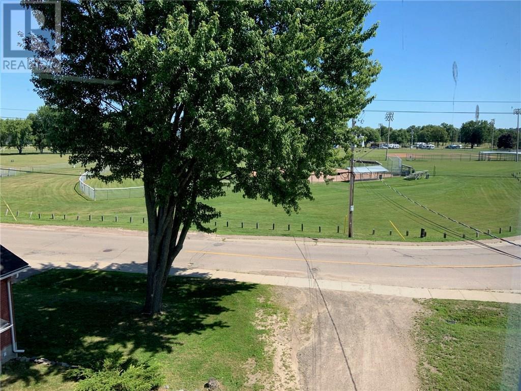1021 Pembroke Street, Pembroke, Ontario  K8A 5R3 - Photo 8 - 1026203