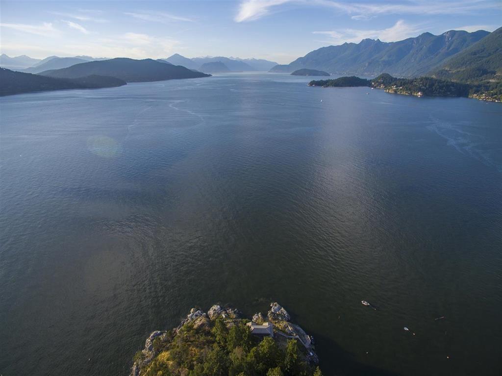 20 Passage Island, West Vancouver, British Columbia  V7W 1V7 - Photo 3 - R2412226