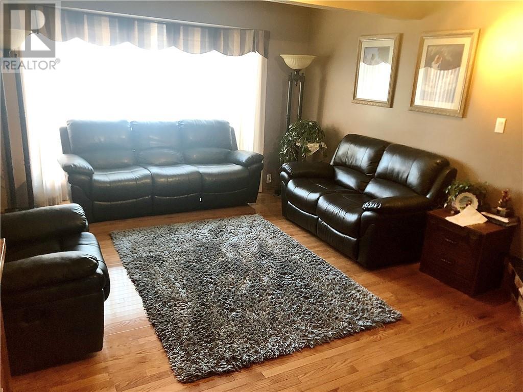 5832 59 Street, Rocky Mountain House, Alberta  T4T 1K1 - Photo 5 - ca0184527