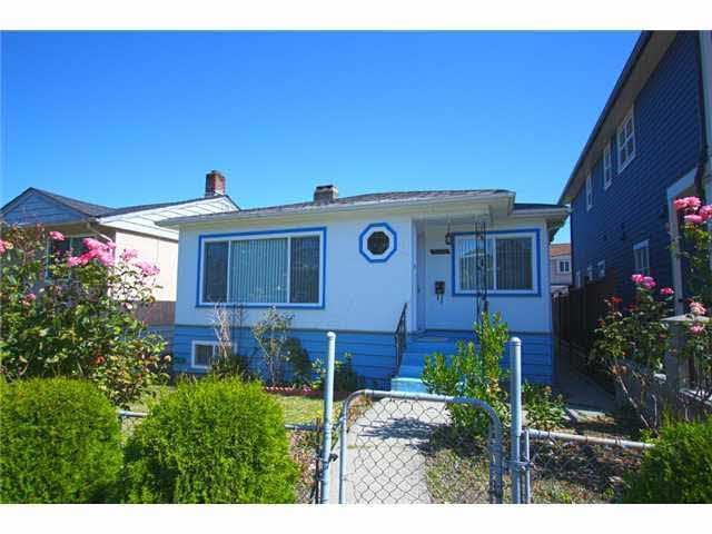 3470 Knight Street, Vancouver, British Columbia  V5N 3K9 - Photo 1 - R2429505