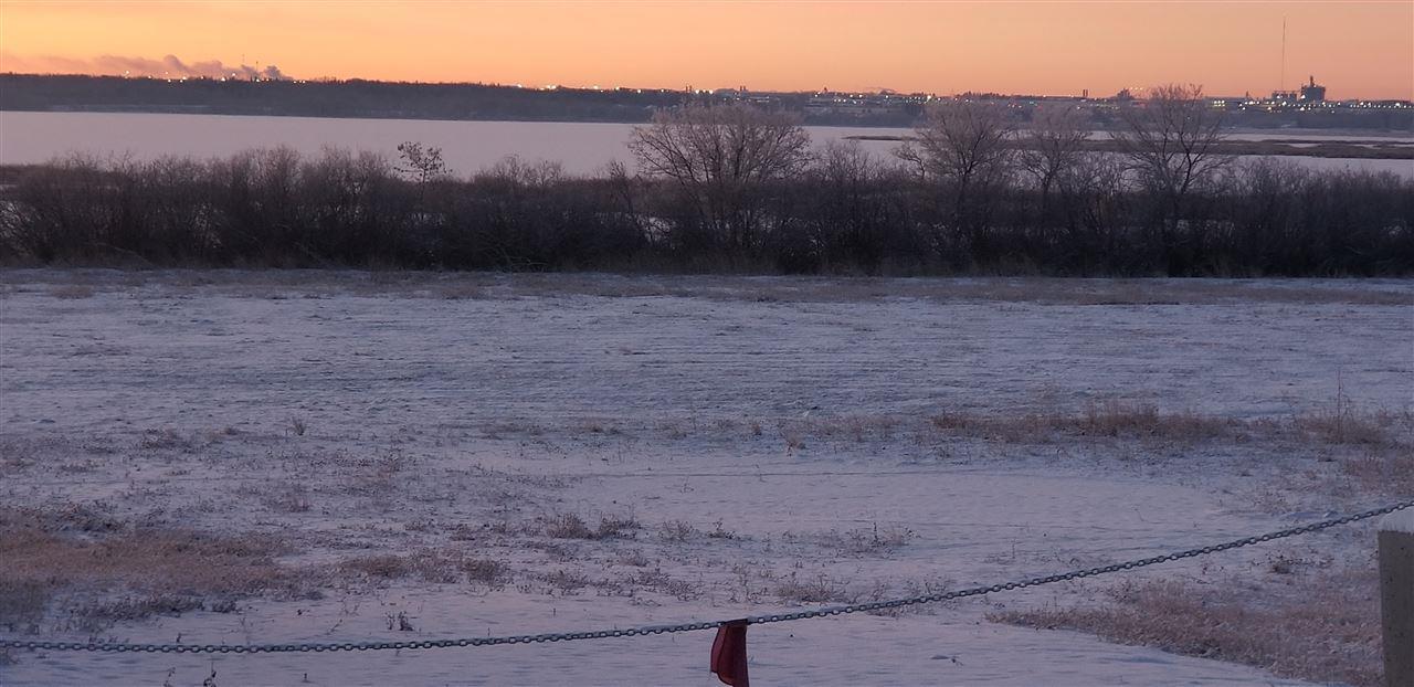 26219 Meadowview Dr, Rural Sturgeon County, Alberta  T8T 0L3 - Photo 4 - E4152457