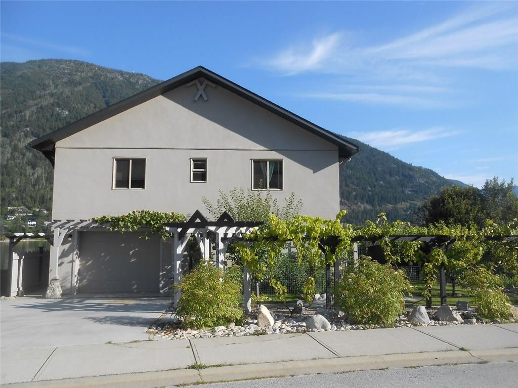 805 SPROAT DRIVE, Nelson