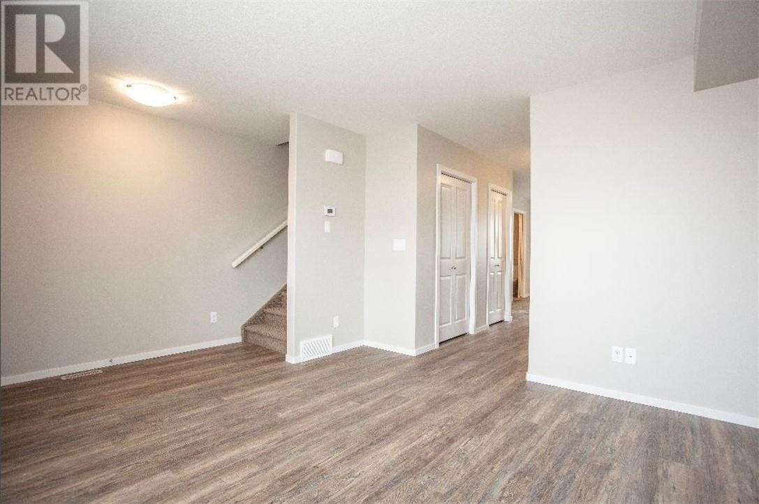 5512 48a Street Close, Bentley, Alberta  T0C 0J0 - Photo 2 - ca0184387