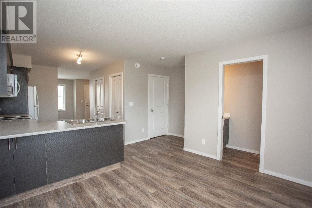 5512 48a Street Close, Bentley, Alberta  T0C 0J0 - Photo 7 - ca0184387