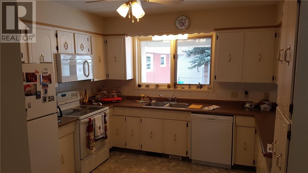 5220 49 Street, Castor, Alberta  T0C 0X0 - Photo 3 - ca0099973