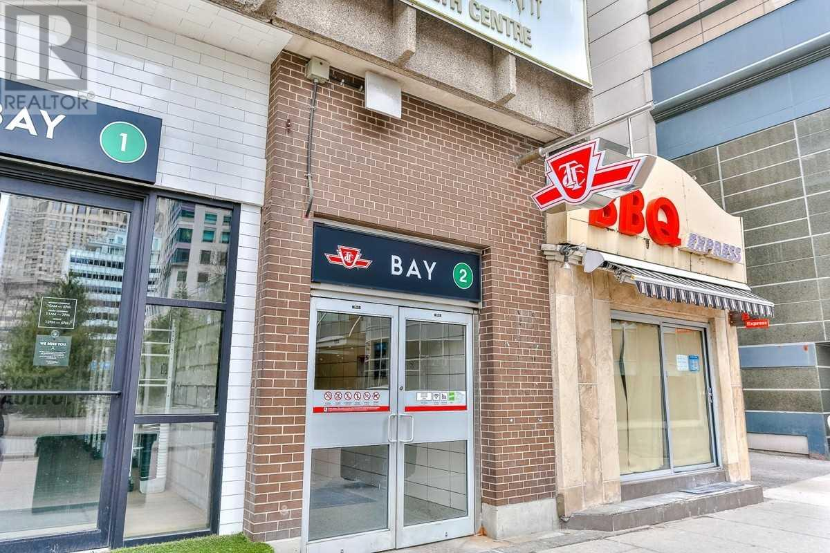 Homes and Houses for sale in Toronto, Ontario - Photo 2 - C4745335