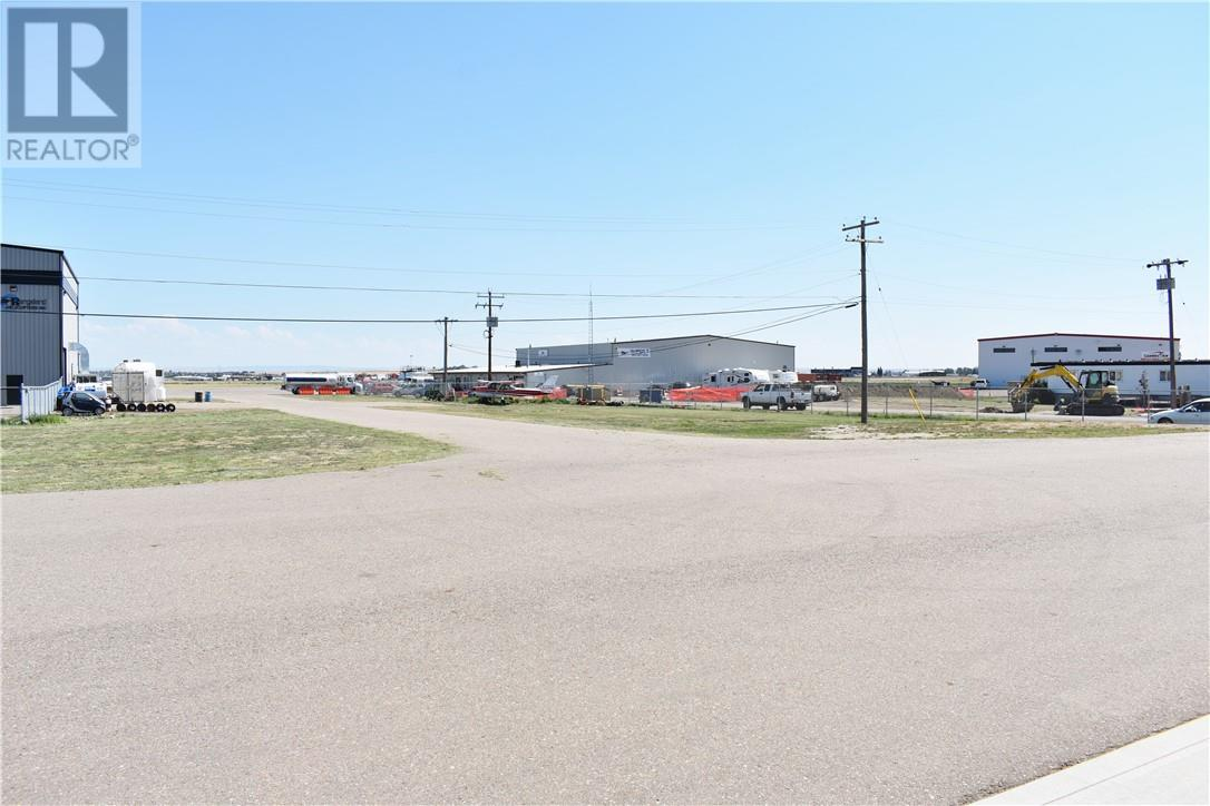 4, 32 Halifax Way Sw, Medicine Hat, Alberta  T1A 5G4 - Photo 16 - MH0177871