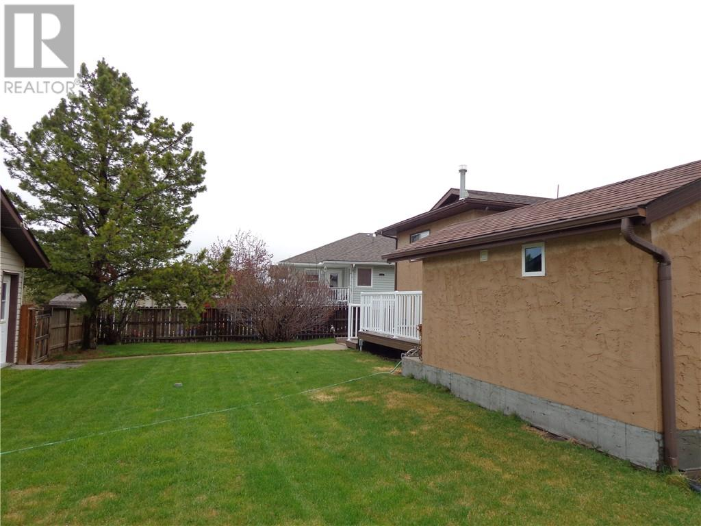 4575 Eastview Crescent, Rimbey, Alberta  T0C 2J0 - Photo 38 - ca0194144