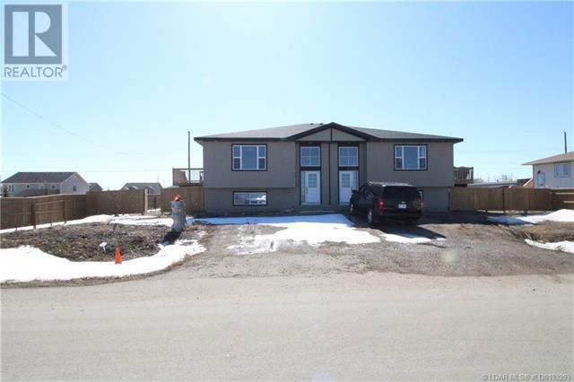 726-730 3 Street, Grassy Lake, Alberta  T0K 0Z0 - Photo 2 - LD0193293