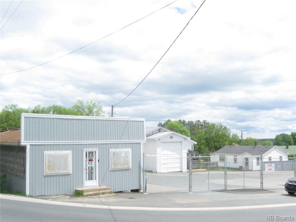 390 Radio Street, Miramichi, New Brunswick  E1V 2W9 - Photo 2 - NB044056