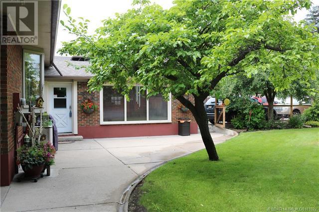 2855 Parkside Drive S, Lethbridge, Alberta  T1J 1M8 - Photo 14 - LD0181022