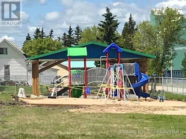 15 Park Ave (48 Ave), Mayerthorpe, Alberta    - Photo 3 - AWI52741