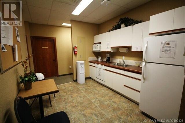 1274 3 Avenue S, Lethbridge, Alberta  T1J 0J9 - Photo 5 - LD0190125