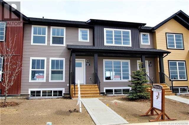15 Iron Gate Boulevard, Sylvan Lake, Alberta  A1A 2B2 - Photo 1 - CA0184795