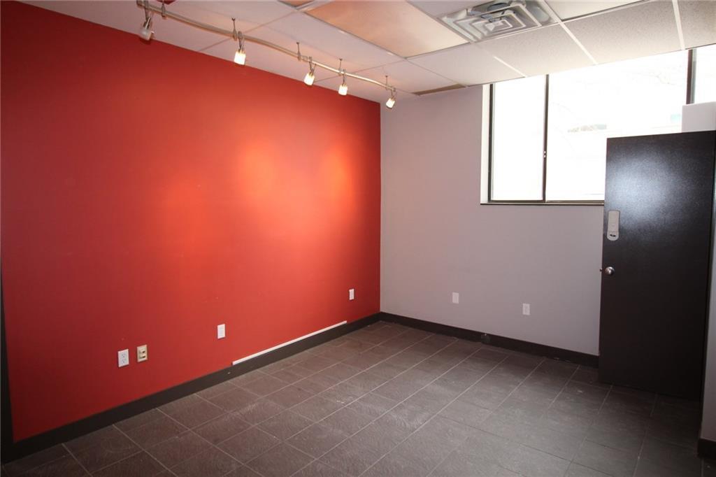 4673 Ontario Avenue Unit# 201, Niagara Falls, Ontario  L2E 3R1 - Photo 3 - 30783806