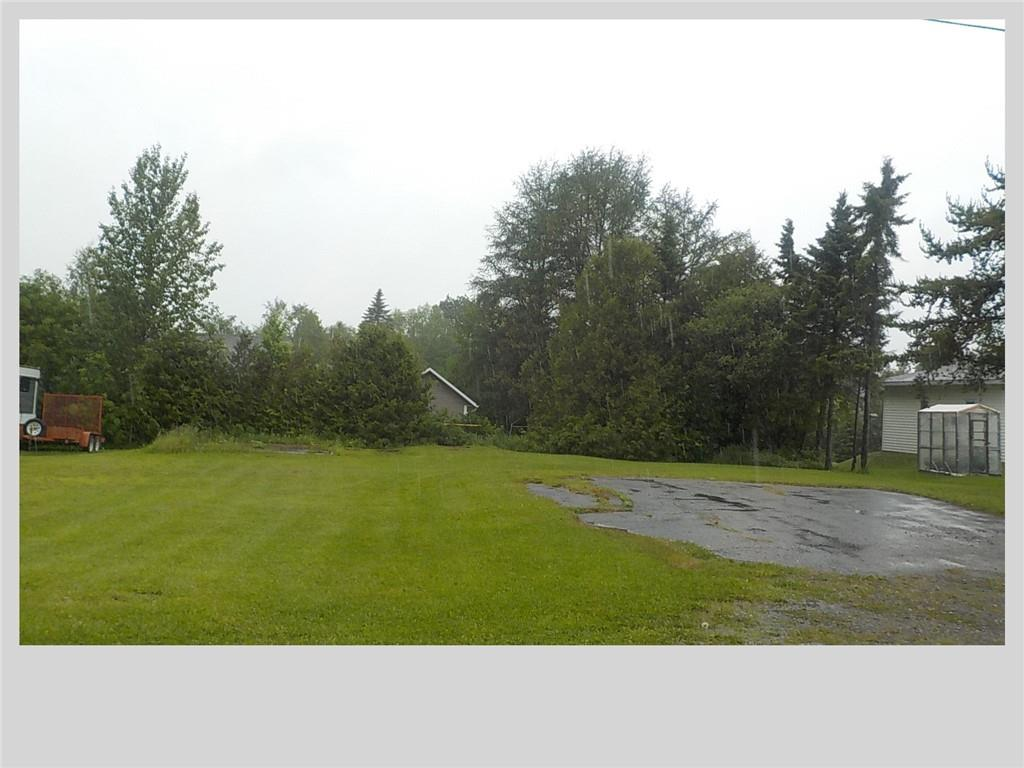 37 Rue Valcourt, Saint-Quentin, New Brunswick  E8A 2B6 - Photo 3 - NB028012