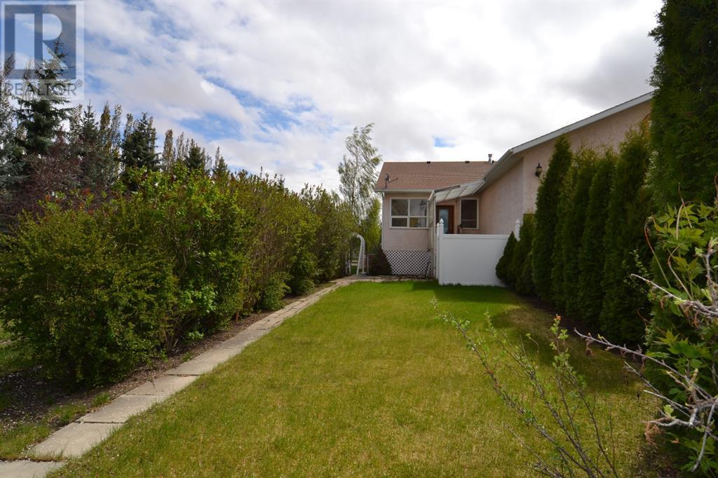 801 10 Avenue Ne, Three Hills, Alberta  T0M 2A0 - Photo 3 - CA0191488