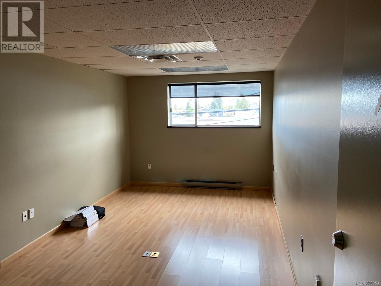 MLS® #836353 - Courtenay Offices For rent Image #12