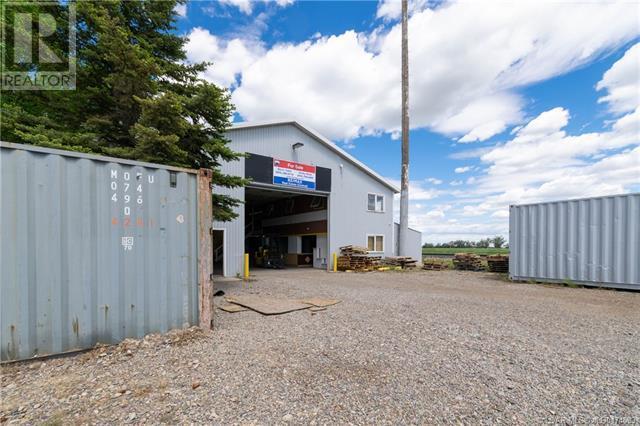 141 Stewart Avenue, Rural Lethbridge County, Alberta  T1J 4P4 - Photo 1 - LD0174583