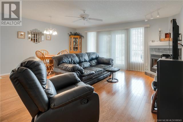 4, 809 6 Street, Lethbridge, Alberta  T1J 2E7 - Photo 3 - LD0188565