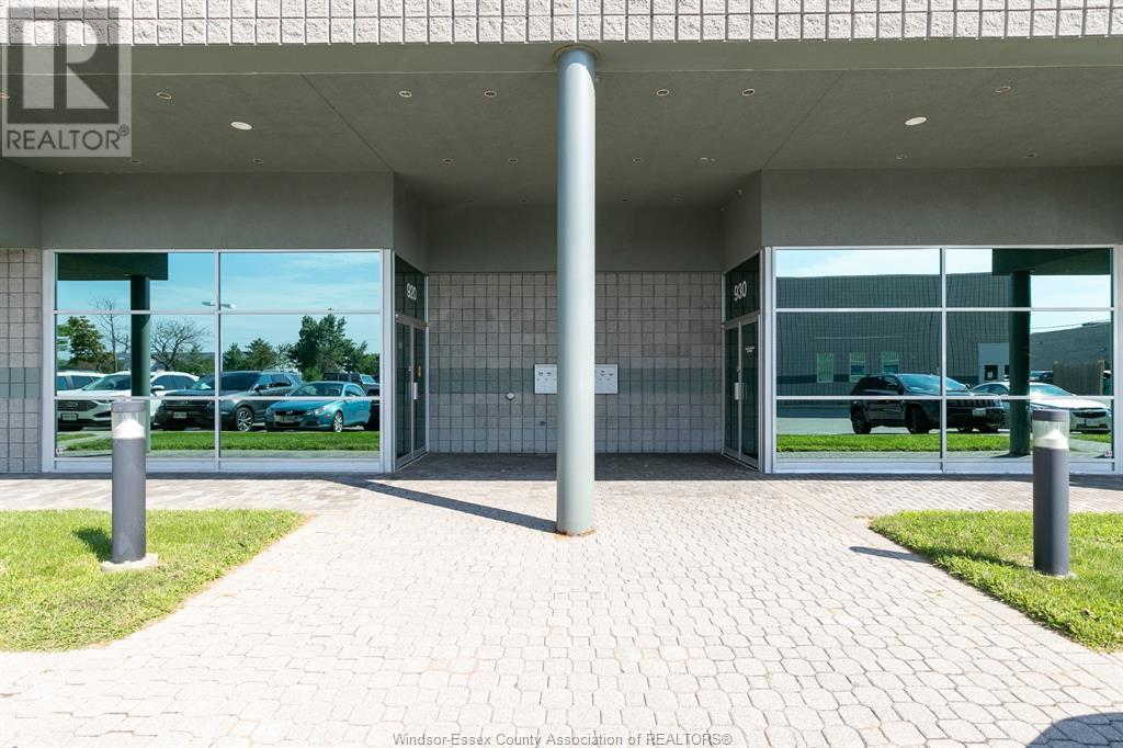 4510 Rhodes Drive Unit# 920, Windsor, Ontario  N8X 5K5 - Photo 2 - 20010196