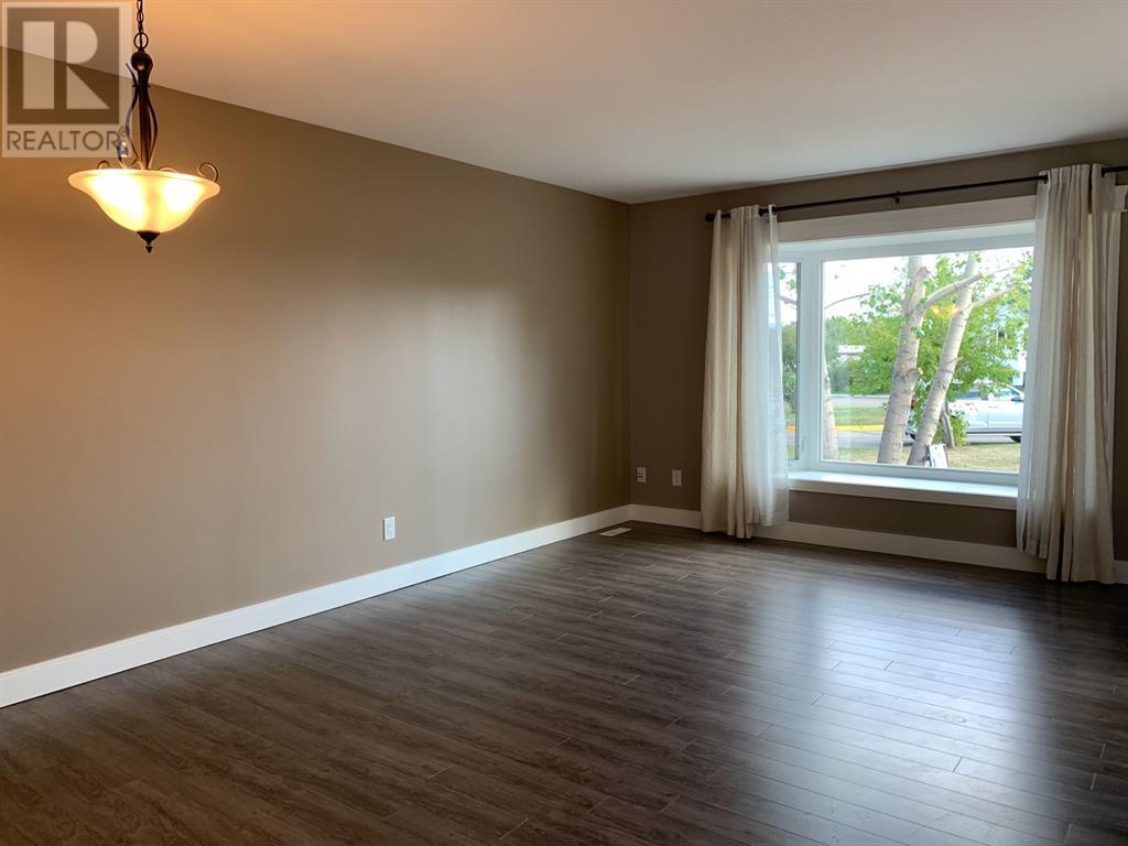 4920 52 Avenue, Grimshaw, Alberta  T0H 1W0 - Photo 4 - GP202357