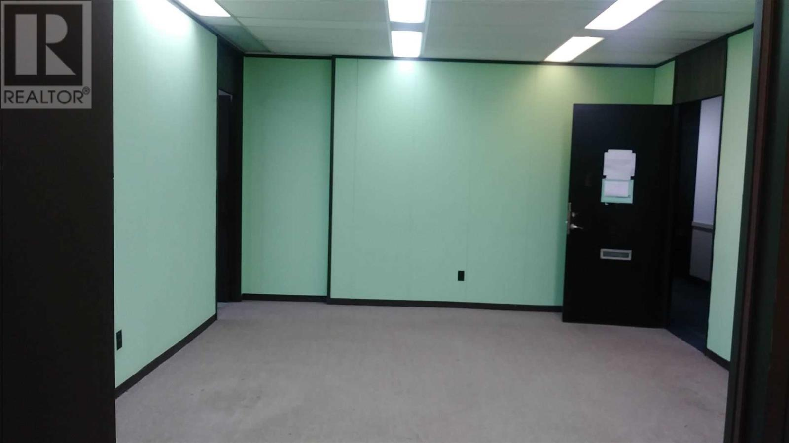 #403 -1315 Finch Ave W, Toronto, Ontario  M3J 2G6 - Photo 1 - W4875138