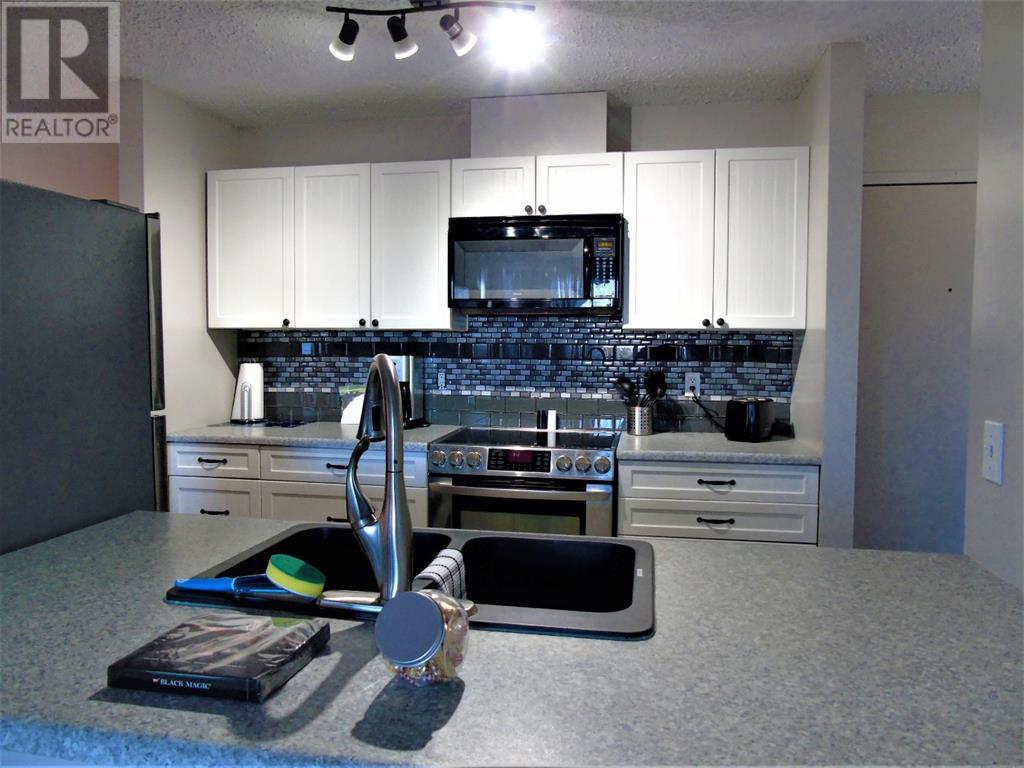 205 12 Ave Sw, Slave Lake, Alberta  T0G 2A4 - Photo 4 - AW52014