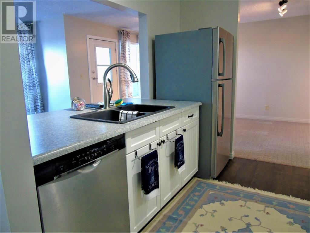 205 12 Ave Sw, Slave Lake, Alberta  T0G 2A4 - Photo 8 - AW52014