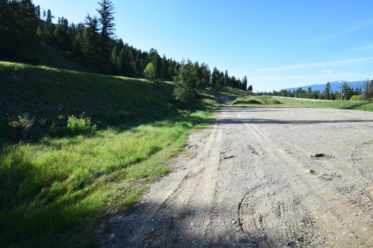7585 Redstreak Park Road, Radium Hot Springs, British Columbia  V0A 1M0 - Photo 5 - 2454295