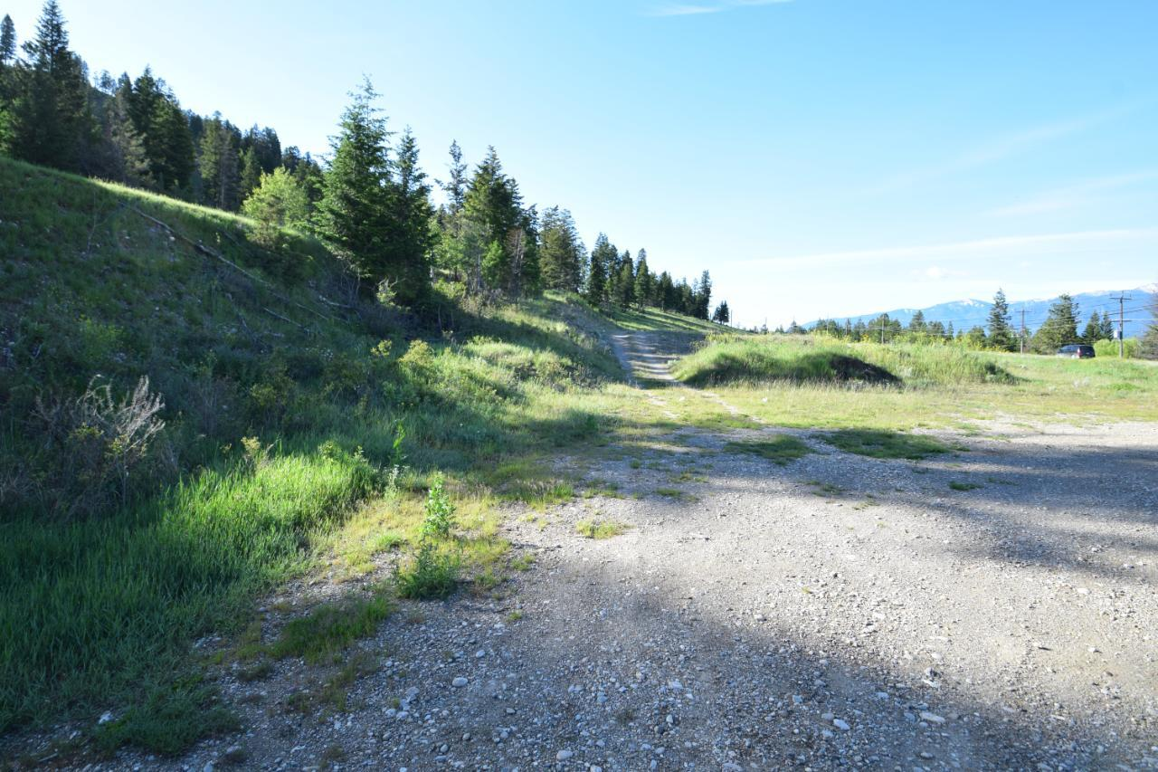 7585 Redstreak Park Road, Radium Hot Springs, British Columbia  V0A 1M0 - Photo 7 - 2454295