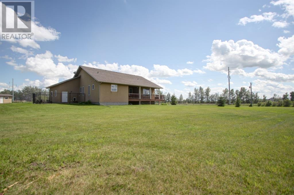 1042 Township Road 380, Rural Red Deer County, Alberta  T4E 2W2 - Photo 28 - CA0190324