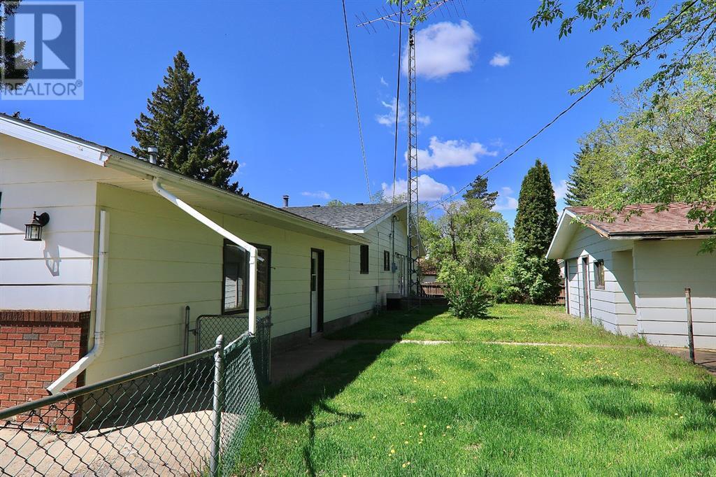 5002 49 Street, Sedgewick, Alberta  T0B 4C0 - Photo 5 - CA0190404