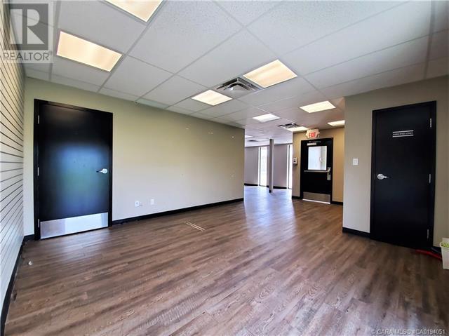 7 & 9, 7711 50 Avenue, Red Deer, Alberta  T4P 1M7 - Photo 3 - CA0194051
