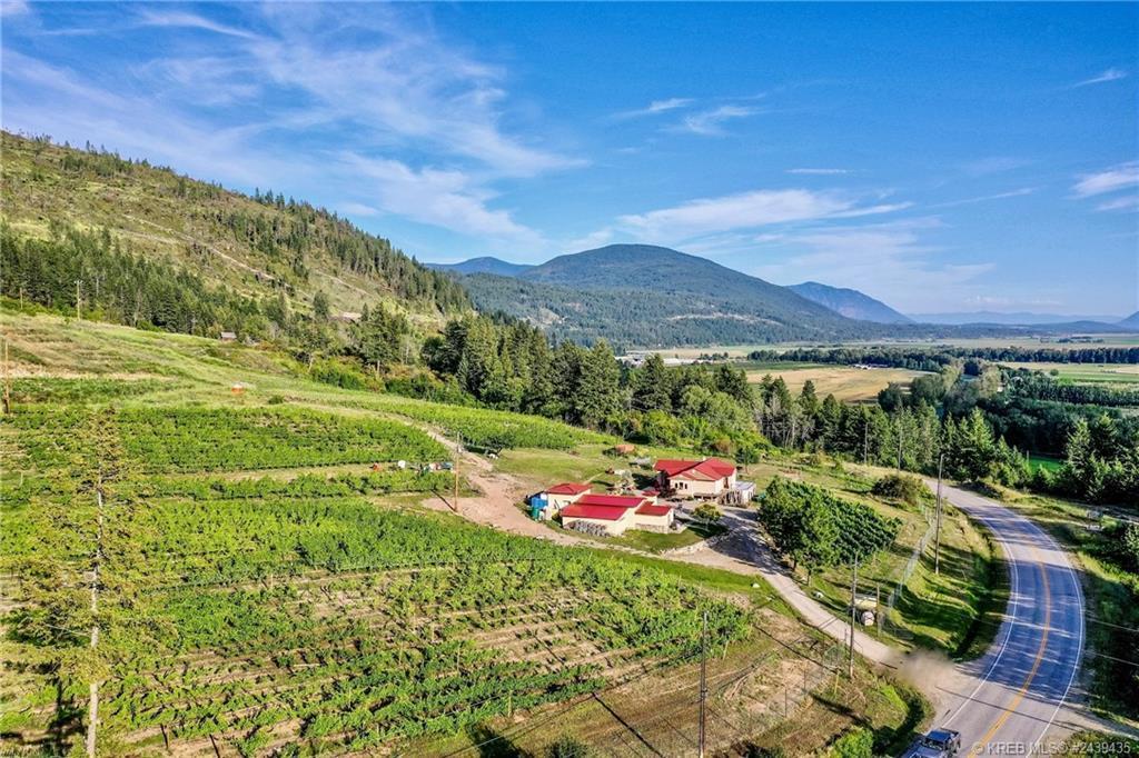 5566 3a Highway, Wynndel, British Columbia  V0B 2N2 - Photo 9 - 2439435