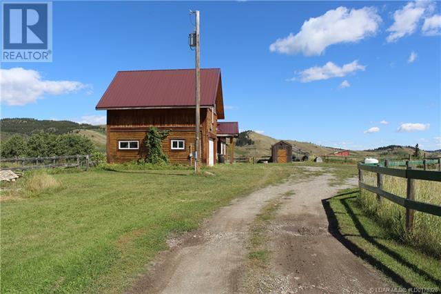 5505 Range Road 2-2, Beaver Mines, Alberta  T0K 1W0 - Photo 39 - LD0178328