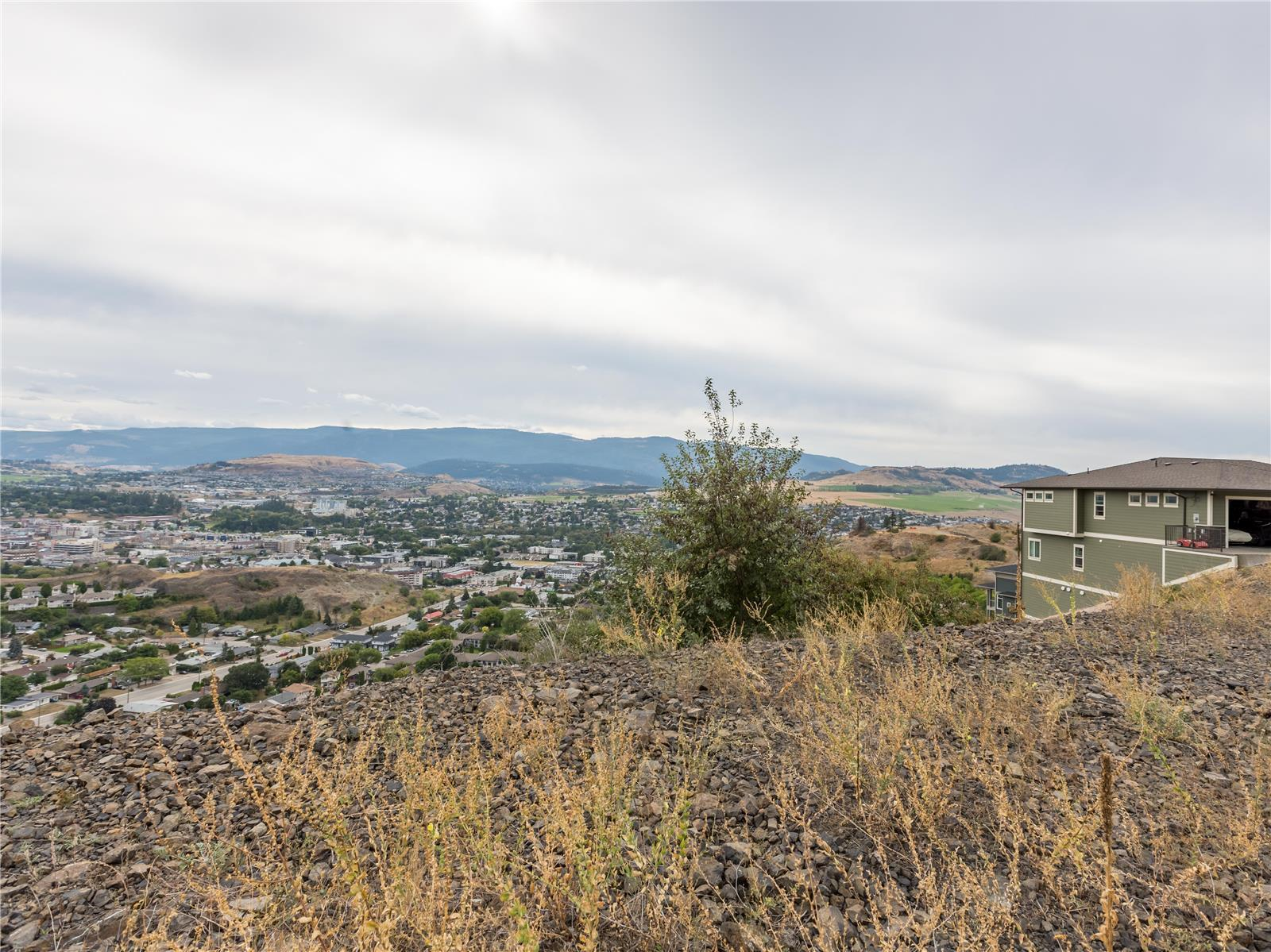 3901 Rockcress Court,, Vernon, British Columbia  V1T 9W4 - Photo 4 - 10216767