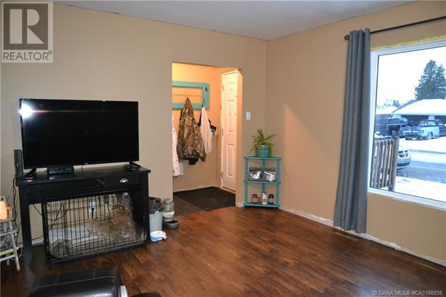 5023 60 Avenue, Ponoka, Alberta  T4J 1G1 - Photo 3 - CA0188056