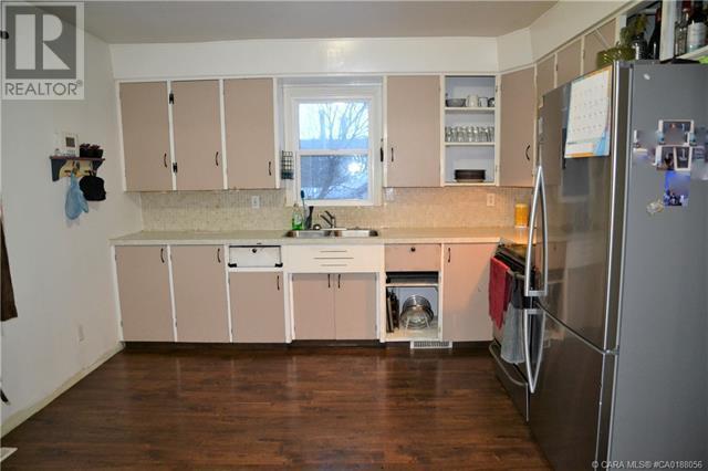 5023 60 Avenue, Ponoka, Alberta  T4J 1G1 - Photo 5 - CA0188056