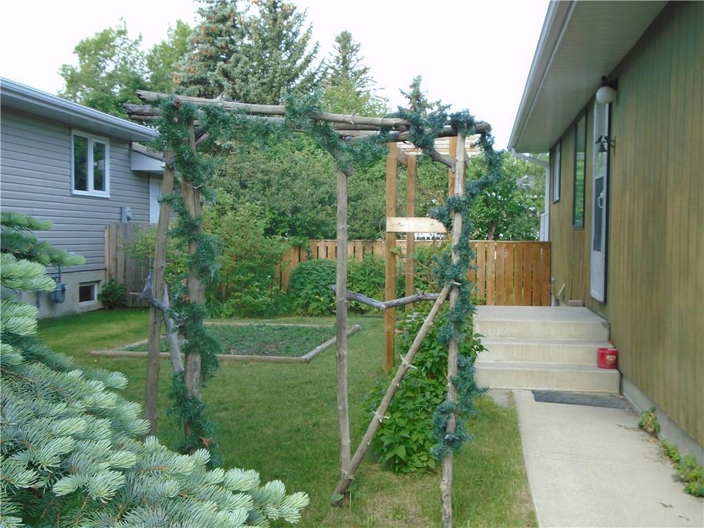 5029 5 St W, Claresholm, Alberta  T0L 0T0 - Photo 2 - C4218610